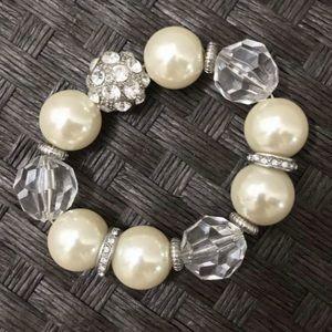 Elasticated pearl bead and rhinestone bracelet